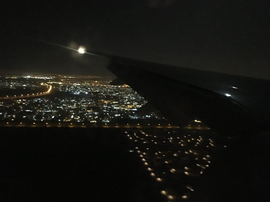 3時台のドバイ国際空港(着陸)